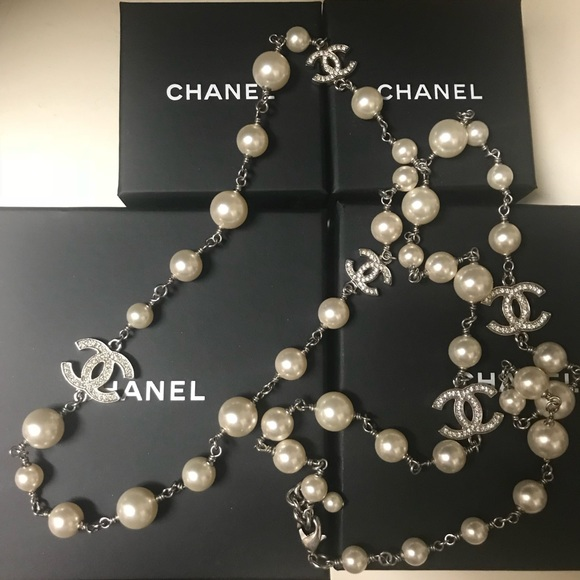 4359ae49bb8de CHANEL Long Pearl Necklace